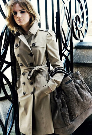 Emma-Watson-wearing-burberry-trench-coat-for-the-Burberry-AD-Campaign