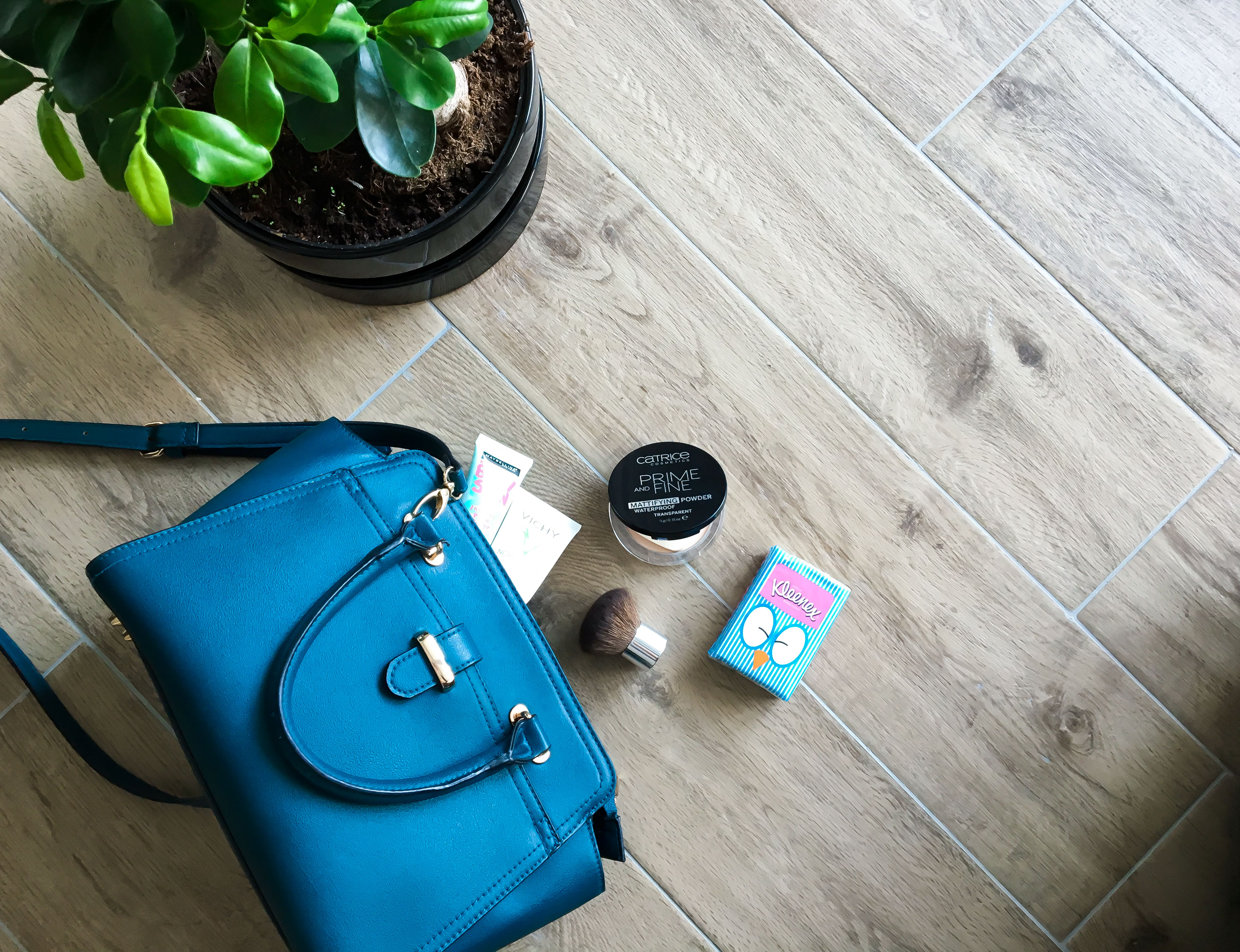 Makeup in my bag - how to stay mat