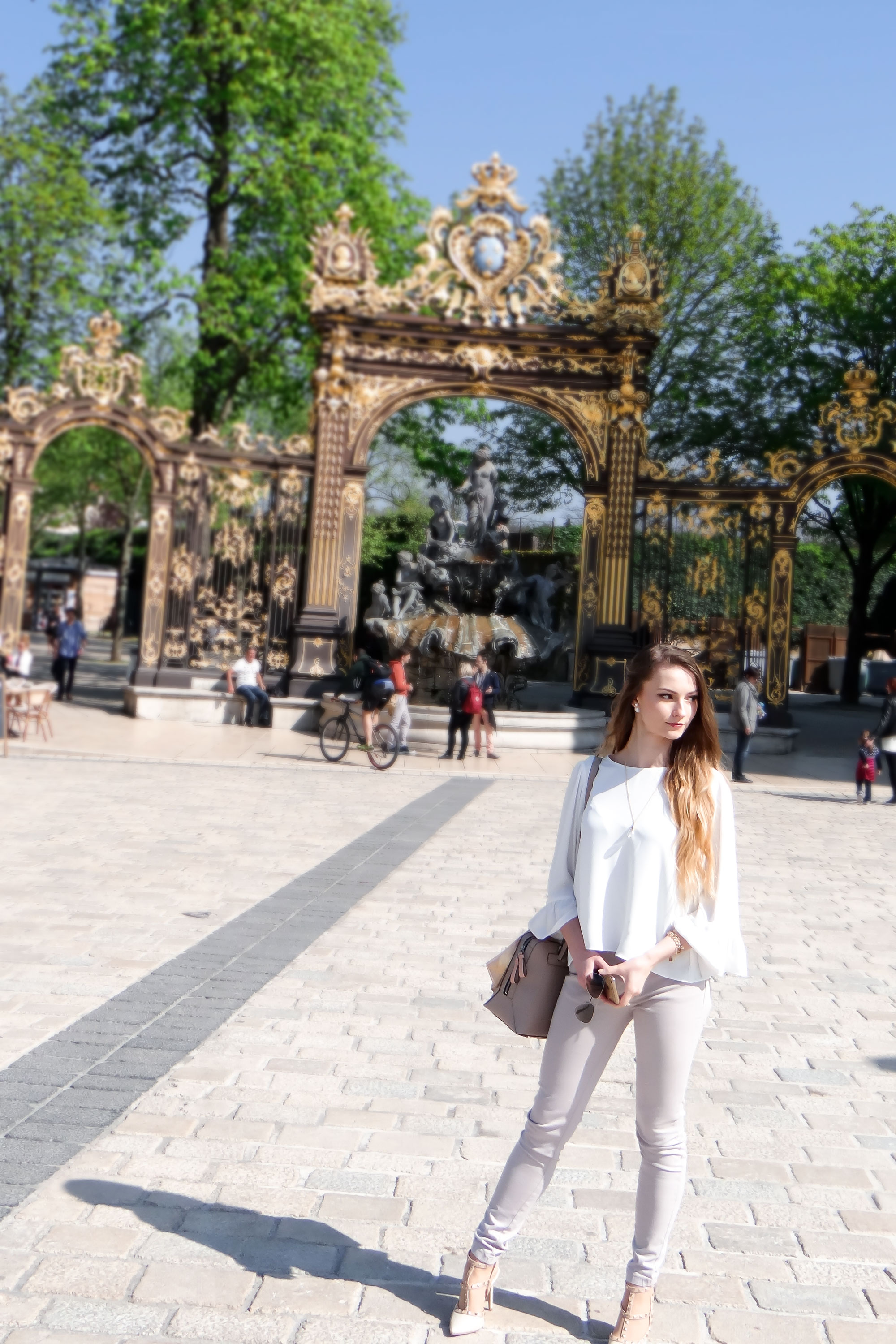 cydonia-travels-nancy-france-outfit-white-and-nude