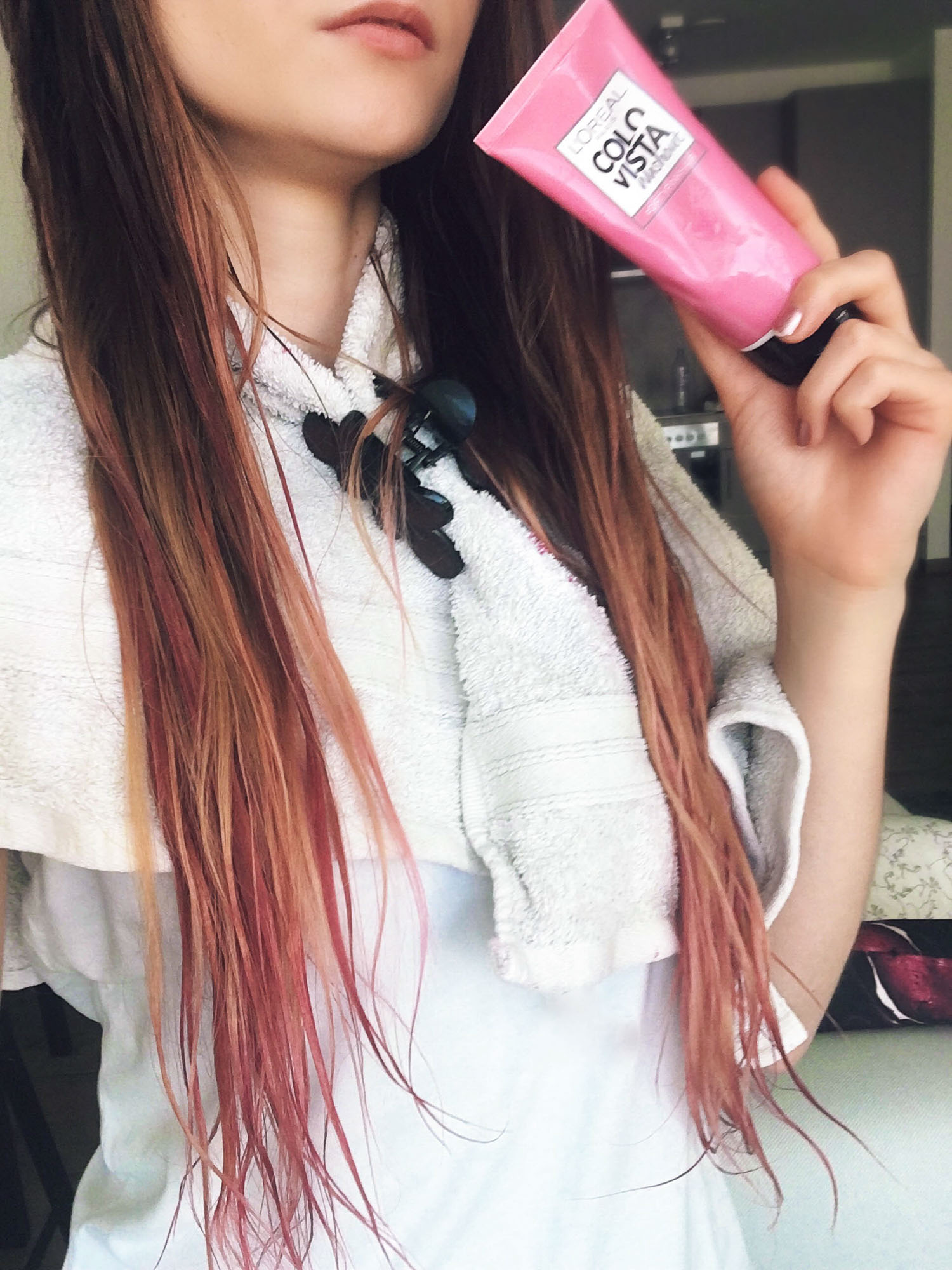 L'Oreal Colorista Washout Dirty Pink hair dye during colouring Cydonia